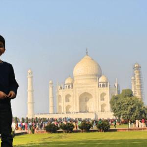 Family Taj Mahal India